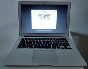 Apple Macbook air 13.3 Inch, 4GB, i5 core, 128GB SSD, 2014.