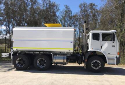 2008 International acco 2350G Truck for Sale
