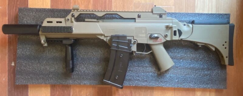Barely Used Umarex HK G36C Electric Airsoft Gun (Includes Extra Attachments)