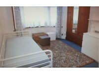 Fully furnished double room to rent £550 pcm inc of all bills in Palmers Green area