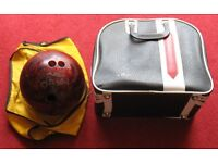 A.M.F. TEN PIN BOWLING BALL 14LBS. ZIPPED CARRYING CASE & YELLOW POLISHER/CARRIER. as new condition