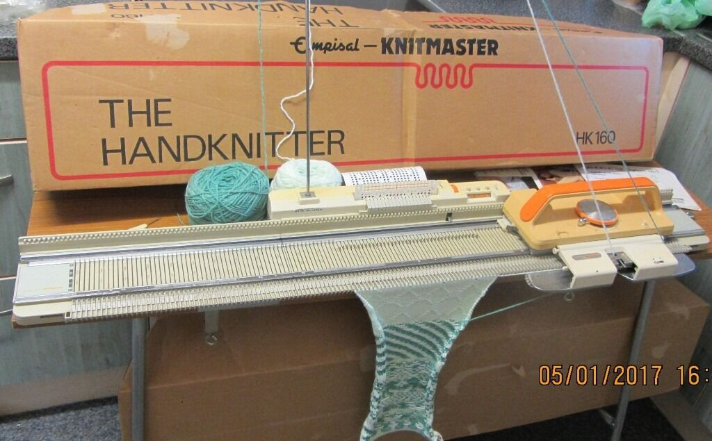 Knitmaster Hk 160 Mid Gauge Knitting Machine Boxed Complete