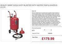 SEALEY SB997 SODA SHOT BLASTER WITH WATER TRAP & WHEELS 37LTR