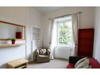 Ref 335-One bedroom, furnished flat available on Bruce Street available from 09 March!