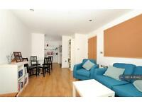 1 bedroom flat in Craig Tower, London, E3 (1 bed)