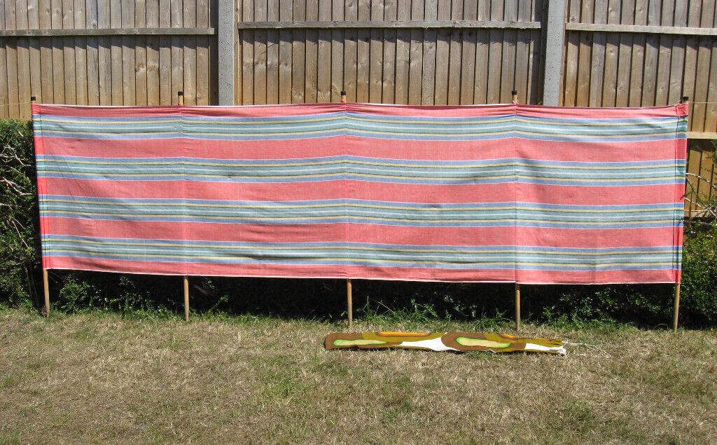 Retro Style Wooden Pole Windbreak 4 Pole Apache design Windbreak