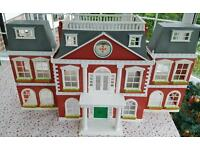 Sylvanian Families Regency Hotel... Boxed with all accessories