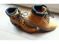New Size 9 Dewalt steel toe cap safety boots in tan