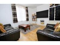1 bedroom flat in Walton House, Shoreditch, E2 (1 bed)