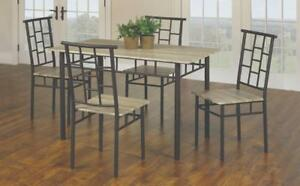 Variété de tables à manger 5 Mcxs ou 7 Mcxs. www.cadeauxvilla.com