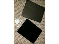 iPad 1st Generation with Charger & Case Wifi & 3G 64gb memory