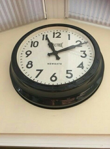 Electric Newgate Analog Clock - The 50's Electric