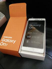 New 5.5'' Samsung Galaxy On7 Quad Core 1.5G/16GB WCDMA, GSM, FDD-LTE