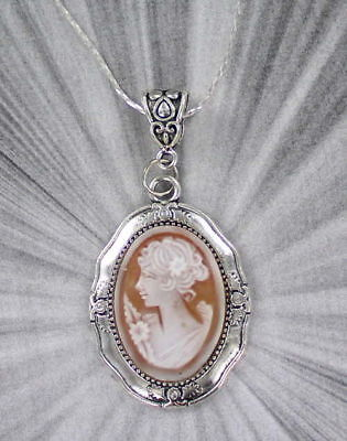 Shell cameo pendantebay 1 vintage cameo pendant necklace mozeypictures Choice Image