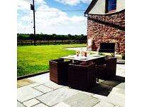 *THE OLD BARN *BEAUTIFUL BARN CONVERISON IN THE WELSH COUNTRYSIDE* Beaches, Castles, Relaxation!