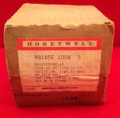 Honeywell Protectorelay Oil Burner Control R8185e 1008 3 - 12060 11050 45 Sec