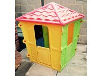 ** PLASTIC OUTDOOR PLAY HOUSE ** L@@K