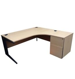USED EXECUTIVE DESKS. FREE FAST DELIVERY AND INSTALLATION