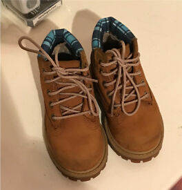 Timberland boots size 5.5 infant