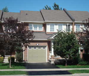 3 bedroom townhouse in Oakville