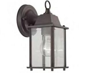 Brand New Thomas Lighting Oil Bronze 1 Light Outdoor Wall Sconce