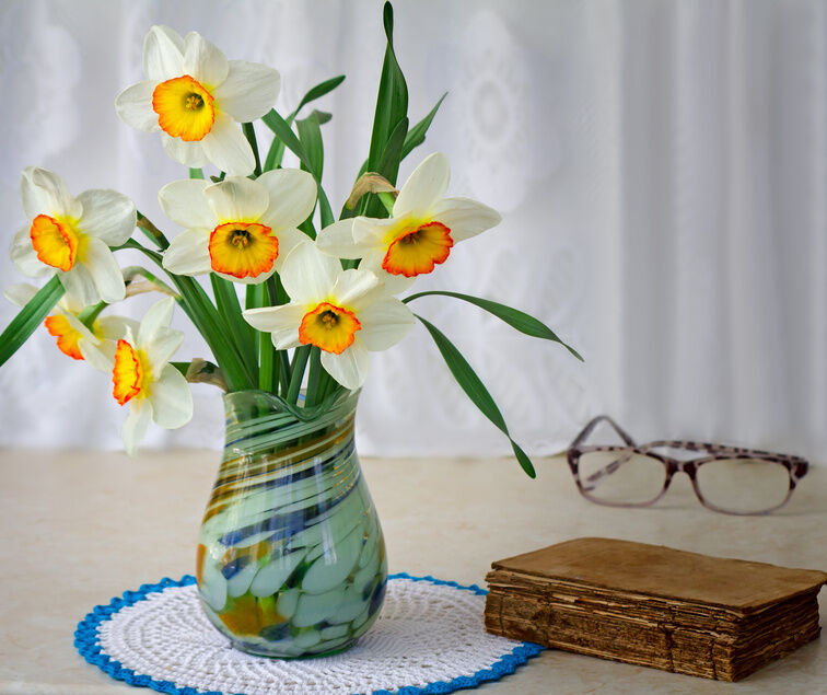 Your Guide to Buying an Art Deco Glass Vase