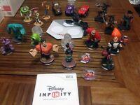 Nintendo Wii Disney Infinity Bundle Figures and Game