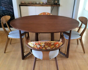 Table vintage de style Adrian Pearsall