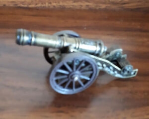 Awesome vintage metal cannon table lighter