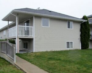 Very large 3 Bed 2 Bath 4plex unit in Southridge