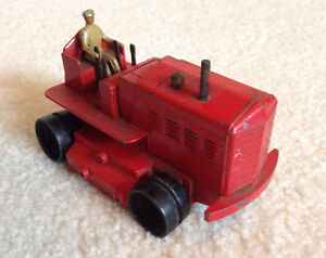 Dinky Supertoys - Heavy Tractor with Driver
