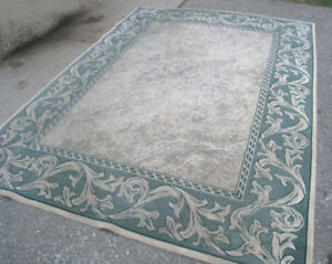 Large Area Rug, 8' X 11' in good condition