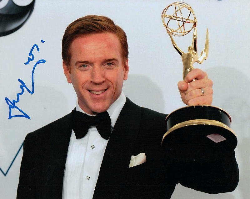 DAMIAN LEWIS.. with His Emmy Award (Homeland) SIGNED