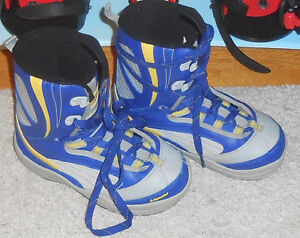 Snowboarding Boots - Size 5
