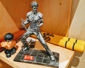 """Bruce Lee figure 7"""" inches Brand New"""