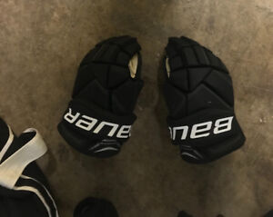 """Bauer x700 gloves only used 5 hours total size 14"""""""