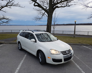 Volkswagen Jetta Comfortline Wagon - Panorama,Leather,Safety