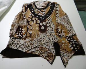 BROWN, BEIGE AND WHITE TOP WITH LONG SLEEVES