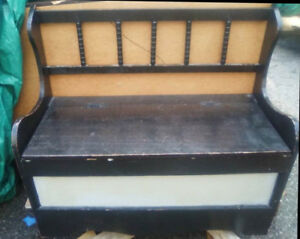 Small solid deacon's bench *As is or repaint
