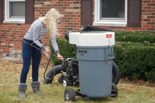 Photo Trac Vac Towable Wood Chipper Shredder Leaf Vacuum Briggs Gas Engine Made In USA