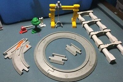 15 Geo Trax Pieces Geotrax Track Extras  - See Pictures for content        lot F
