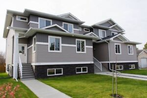 3 Bed/3 Bath Townhouse For Rent (Lacombe)