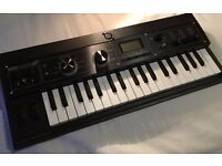 KORG MICROKORG PLUS SYNTHESIZER KEYBOARD,AS NEW ,MAINS AND MIKE
