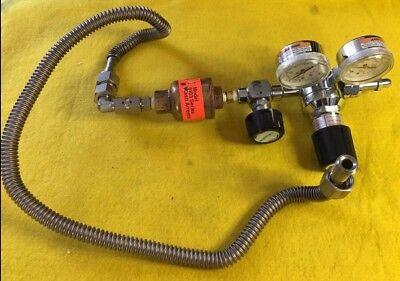 Praxair Dual Gauge Compressed Gas Regulator 6103 3023331-350