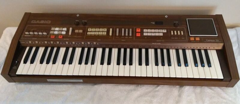 RARE Vintage Casiotone 701 (CT-701) Piano Keyboard Synthesizer Organ Wooden