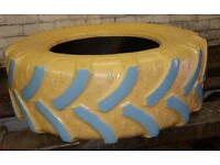 Kids tyre sand / water pit.
