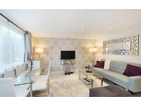Spacious one bedroom flat moments from the Kings Road Chelsea, high standard decor, immaculate!