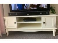 Cream / Off White TV Unit