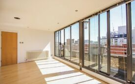 TOP FLOOR PENTHOUSE LOCATED IN LIVERPOOL STREET, PERFECT FOR CITY PROFESSIONALS
