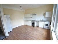 Room To Rent On First Floor Located In South Croydon